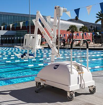 pool lift at the cal poly recreation center