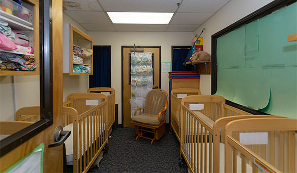 asi children's center room one cribs
