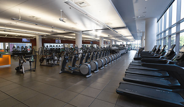 cardio equipment upstairs in the cal poly recreation center